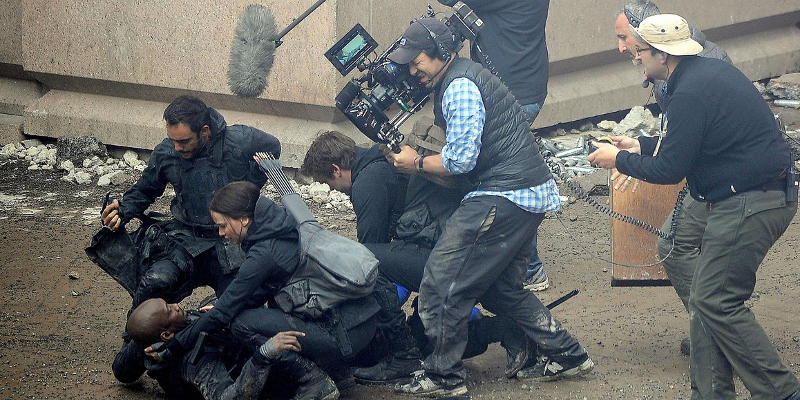 800x400xmockingjay2-filming.jpg.pagespeed.ic.ETMPWkp81F